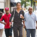 Katie Holmes shopping on Madison Ave in NYC - 454 x 673