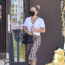 Hilary Duff – Looks fashionable while out in Los Angeles