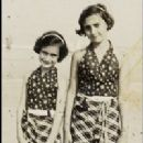 Anne and her sister Margot, taken on a Dutch beach - 200 x 240