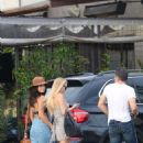 Selena Gomez Out With Friends In Venice