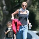 Nicole Richie is spotted taking her children Sparrow and Harlow to the Kidspace Children's Museum in Pasadena, California on July 22, 2015 - 454 x 548