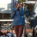 Alessandra Ambrosio – Out grabbing coffee at Sunlife Organics in Pacific Palisades
