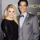 Johnathon Schaech and Julie Solomon - 240 x 320