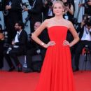 Gabriella Wilde – 'First Man' Premiere and Opening Ceremony at 2018 Venice International Film Festival in Venice - 454 x 651