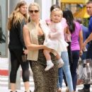 Ali Larter is spotted out for lunch with her daughter Vivienne at the M Cafe in Beverly Hills, California on June 10, 2016 - 428 x 600