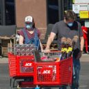 Alyson Hannigan and Alexis Denisof – Spotted shopping at Ace Hardware - 454 x 663