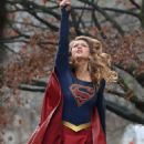 Melissa Benoist – Filming a Scene for 'Supergirl' in Vancouver 12/11/ 2016