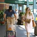 Drew Barrymore Shopping At Whole Foods In West Hollywood