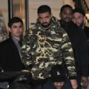 Drake does some shopping in Beverly Hills, California on December 8, 2016 - 454 x 542