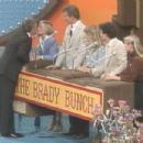 Family Feud- Richard Kissing Florence Henderson - 454 x 303