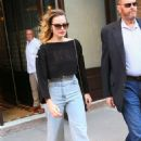 Margot Robbie – Heading to New York Comic Con