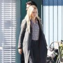 Jennifer Morrison – Filming 'Once Upon a Time' in Vancouver September 24, 2016 - 454 x 438
