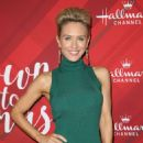 Nicky Whelan – 'Christmas at Holly Lodge' Screening in LA - 454 x 649