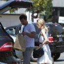 Joshua Jackson and girlfriend Diane Kruger at a Gelson's market after brunching together in Los Feliz (July 29)