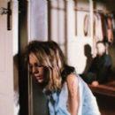 Jamie Lee Curtis as Lauren Strode and Tony Moran as Michael Myers in Halloween (1978) - 454 x 272