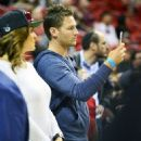 Juan Pablo Galavis attends a Miami Heat basketball game with friends on December 17, 2014 in Miami, Florida - 454 x 570