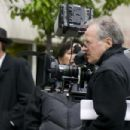 Director Michael Mann on the set of Public Enemies. - 454 x 302