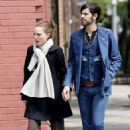 Natalie Portman And Devendra Banhart Holding Hands In NYC, 2008-05-01 - 454 x 672