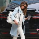 Jessica Alba – Spotted outside her office in Los Angeles