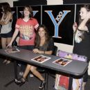 Ashley Tisdale - Meets Fans In Miami, 11. 5. 2009.