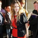 Drew Barrymore Leaves Her Hotel