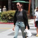 Odette Annable out for lunches at La Scala in Beverly Hills - 454 x 681