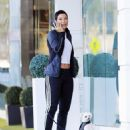Nicole Murphy buying some pet supplies in Beverly Hills, California on February 14, 2017 - 454 x 548
