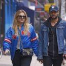 Rachel Hilbert with boyfriend Brett Eldredge out in New York - 454 x 303