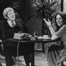 Phil & Marlo Thomas meet on The Phil  Donahue Show 1977 - 454 x 342