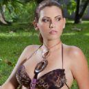 Laura Chimaras - 454 x 681
