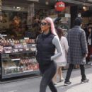 Kim and Kourtney Kardashian – Have a day of shopping in Tokyo