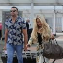 Bianca Gascoigne and boyfriend CJ Meeks Arrives at the airport in London - 454 x 351