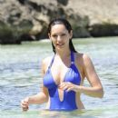 Kelly Brook - Bikini Candids