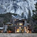Steven Jobs and Laurene Powell are married at the Ahwahnee Hotel in Yosemite National Park - 454 x 301