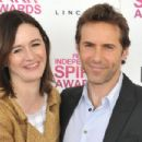 Alessandro Nivola and Emily Mortimer - 454 x 303