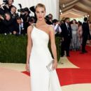Rosie Huntington-Whiteley: 'Manus x Machina: Fashion In An Age of Technology' Costume Institute Gala - Arrivals