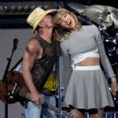 Taylor Swift Kenny Chesneys The Big Revival Tour In Nashville