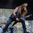 Zakk Wylde of Black Label Society performs at Ozzfest 2016 at San Manuel Amphitheater on September 24, 2016 in Los Angeles, California. - 454 x 564