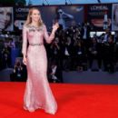 Suki Waterhouse – 'The Bad Batch' Premiere at 73rd Venice Film Festival in Venice September 7, 2016 - 454 x 302