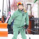 Kate Hudson – On the slopes in Aspen