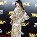 Alexandra Daddario – 'Solo: A Star Wars Story' Premiere in Los Angeles - 454 x 682