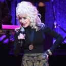 Dolly Parton performs onstage during the 2016 Medallion Ceremony at Country Music Hall of Fame and Museum on October 16, 2016 in Nashville, Tennessee - 431 x 600