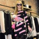 Paris Hilton Shopping In Nyc
