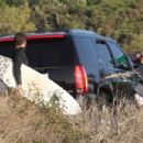 Miley Cyrus – Leave the beach in Malibu