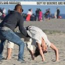 Katie Holmes and Jamie Foxx on the beach in Los Angeles - 454 x 363
