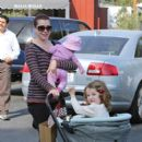 Alyson Hannigan: make a trip to the country market in Los Angeles