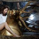 Alison Brie - 454 x 294