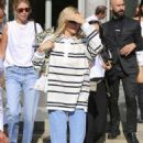 Kendall Jenner in Jeans – Out in Milan