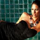 Bria Valente Black dress - Wet hair