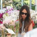 'Furious 7' actress Jordana Brewster went to the farmer's market with her family in Los Angeles, California on August 21, 2016 - 454 x 523